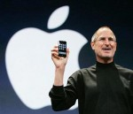 Jobs-Steve-with-iphone-smiling